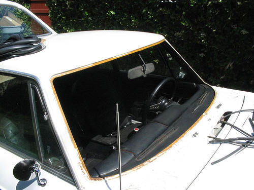 How Much To Replace A Windshield >> MGB GT Windscreen (Windshield) Refit