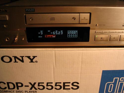 sony cdp x555es cd player. Black Bedroom Furniture Sets. Home Design Ideas